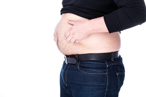 お腹周りに脂肪がつく4つの原因と対策法とは?